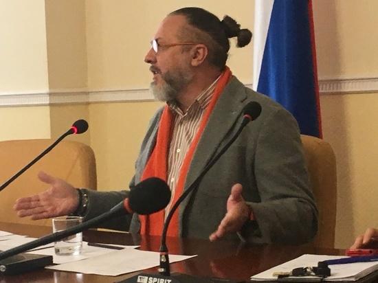 Советник орловского губернатора Юрий Грымов призвал СМИ ему поверить. Пока не  получается